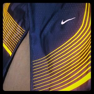 Nike dry-fit workout leggings